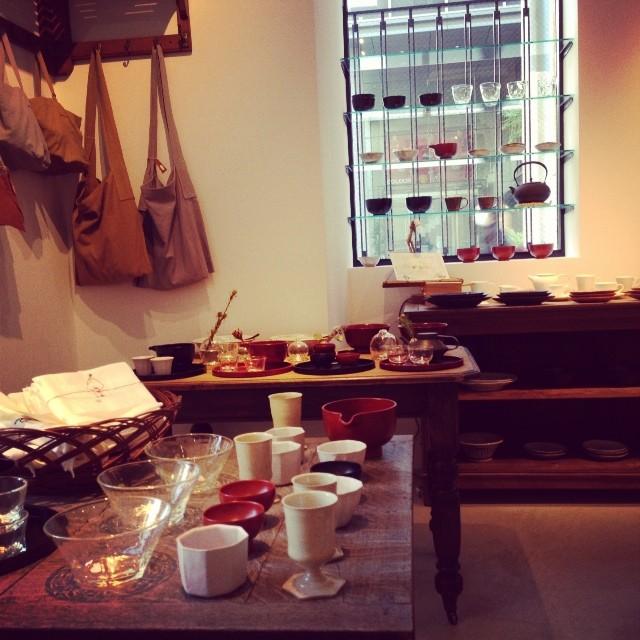 コホロエルマーズグリーンコーヒーカウンター 人気の雑貨店とカフェが融合