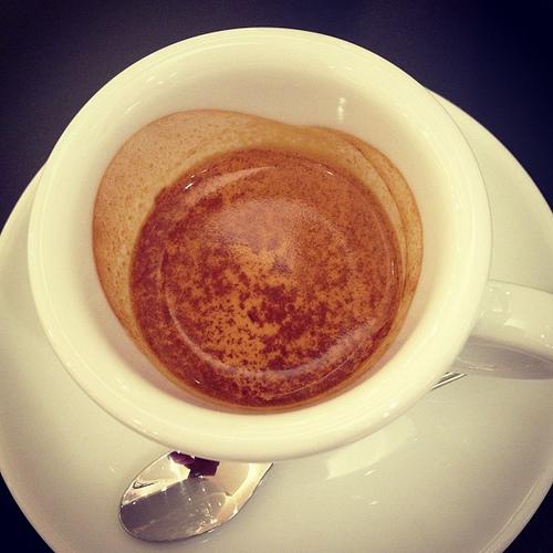クレマのコツ。コーヒー豆のテカテカ具合でこんなに違う
