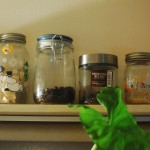 コーヒー豆の保存方法。メイソンジャーなど密閉瓶を使って常温保存と冷凍保存を使い分ける